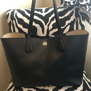 Tory Burch Perry Tote black leather